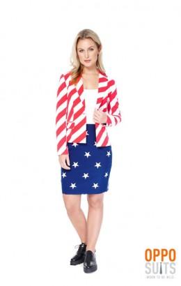 Opposuit american woman